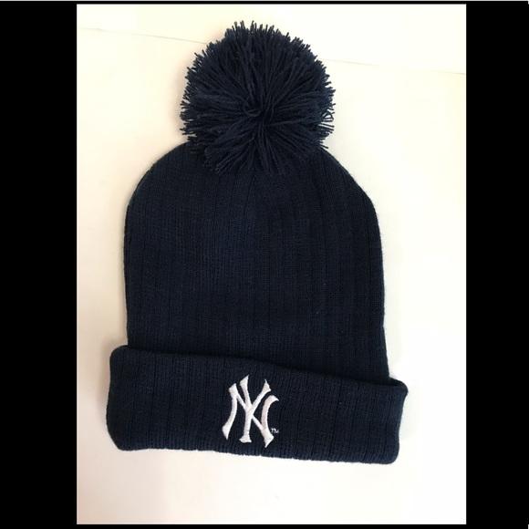 6772d32855ee4b New York yankees winter beanie hat. M_5a4404fd3a112ecd950a0284